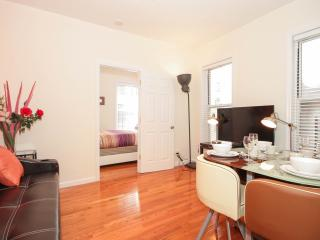 NYC Cozy & Spacious 2 Bedroom, Edgewater