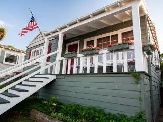 ***GREAT VALUE  -THE SEAMORE COTTAGE ***, San Diego