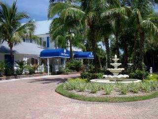 Olde Marco Inn Resort! Low Memorial Holiday Rates!, Marco Island