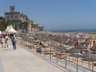 Estoril Sunny apartment near beach