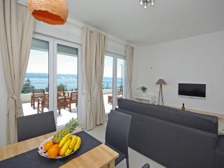 Villa Jolara, Apartment 6, Mimice