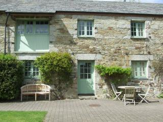 Glynn Barton Cottages Granary, Bodmin