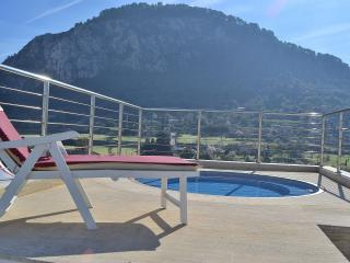 073 Modern Penthouse with Jacuzzi (all inclusive), Pollença