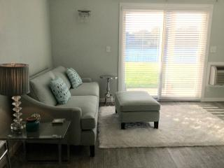 Awesome River Front Condo. Ocean across the street, Sea Bright