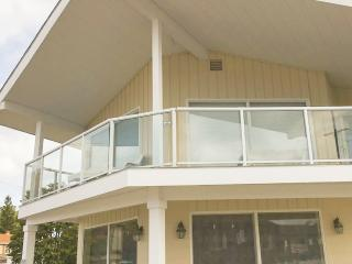 Economical condo right next to the beach! Amazing!, Ludington