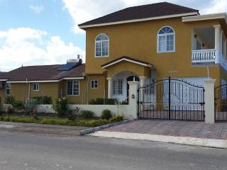 One Bedroom Luxury Townhome, Montego Bay