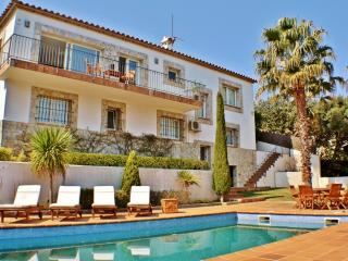 CB441 - Great big villa, great choice for families, Begur