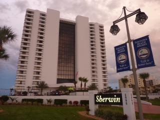 Daytona Beach Sherwin Ocean Front Condo 19th Floor