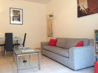 Place Mozart Apartment Sleeps 2-5. Wifi, Terrace., Niza