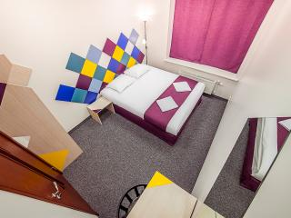 Room in the center with private WC, Riga