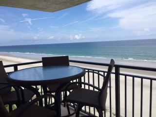 Huge Oceanfront Penthouse 3/2 Private Top Floor, Ponce Inlet