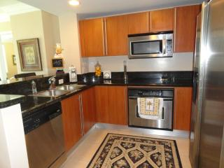 UPSCALE 2/2 IN THE HEART OF CITYPLACE, West Palm Beach