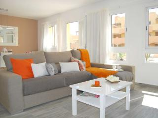 Brisa Apartment with communal pool, Corralejo