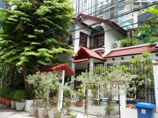 LUXURY SERVICED HOUSE CITY CENTRE, Bangkok