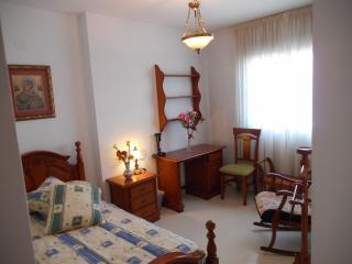 vip house rooms for less, Granada
