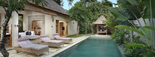 Bali Asri,Luxury 1&2 BR Villas near beach,Seminyak