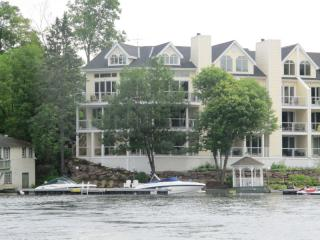 Luxury 2 Bedroom Waterfront Condo, Port Carling