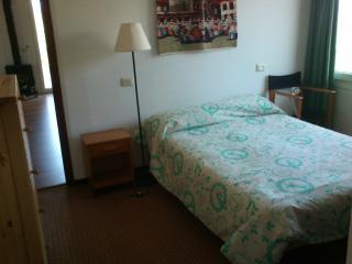Alquilo habitación doble con baño privado, Colonia de Sant Jordi