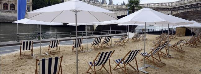 Paris Plage, 5 minutes walk