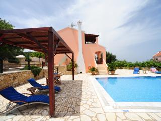Luxury Villa with Private Pool and Sea View, Gáïos