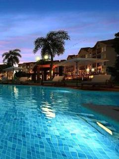 Apartment in a relaxing resort style setting, close to the city of Cebu. Pick up & drop off Airport