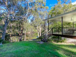 Noosa, 4 acres riverfront bush and fishing kyaks