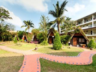 Super Bungalow, Close to Beach!, Ko Chang Tai