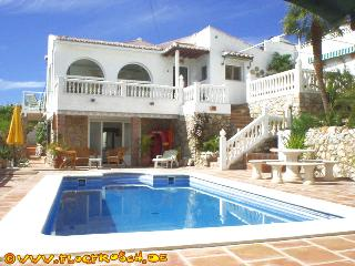 VILLA SOL Y MAR *** STYLISH VILLA *** PRIVATE POOL, Salobrena