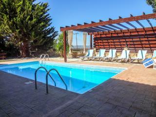 Beautiful 3 bed villa, quiet location,private pool