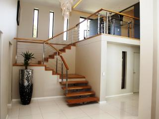 Exquisite 5 bedroom House to rent in Durbanville