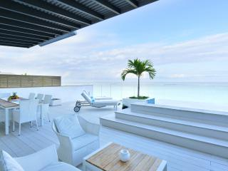 COLE 2BR Penthouse on Wolmar Beach, Flic En Flac