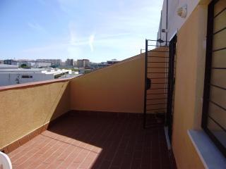 Habitacion con dos camas, limpia y cómoda, Cádiz