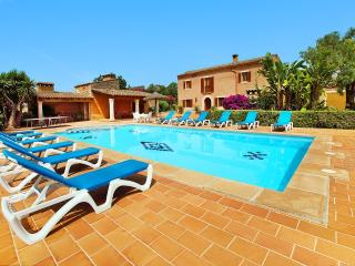 Finca Cas Mungi for 10 people, 5 min from Cala D'or with pool, BBQ & wifi