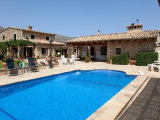 Country House with tennis,terr, Cala Carbo