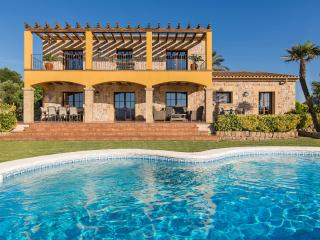 Bonnix. Stunning luxury villa located between Alcudia and Pollensa for 8 people.