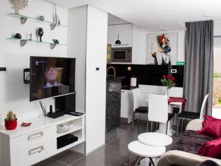 Lady Tania luxury apartment near city center