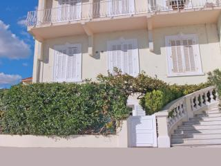Appartement T3  Acces direct Centre ville et plage