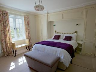 Glenfall Farm Bed & Breakfast Tulip Room, Cheltenham