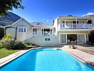 Darling Villa, Hout Bay (Spacious, Stylish experience +sea & mountain views)