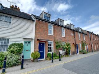 Tenterden, Beautiful Luxury Character Cottage rated 5 Stars