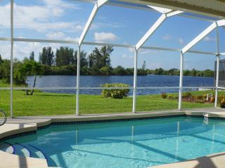 Villa Starfish Lake your Florida dream Vacation, Cape Coral