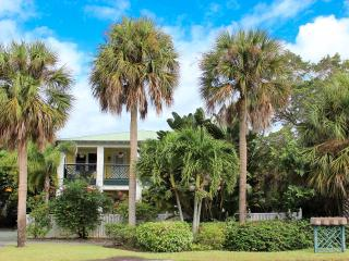 "Pineapple Manor  -  Vacation Apartment ""D"", Melbourne Beach"