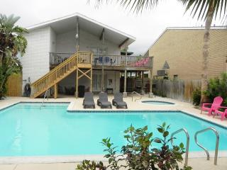 Casa Mezquite B - 2 Bedroom/2 Bathroom - Walk to the beach - WiFi -PadreVacation, Isla del Padre Sur