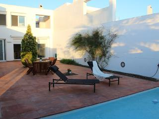 Casa Marinada .Preciosa casa con piscina
