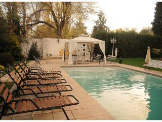 Charming 2 br in mendoza, hosts 6, Chacras de Coria