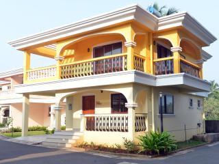 TripThrill Costa Holidays 3 bedroom villa D9