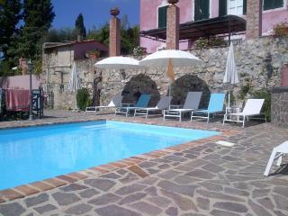 Elegant Villa in Bargecchia