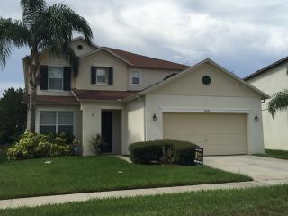 Huge 6 Bedrooms Pool/Spa Lake view close to Disney, Clermont