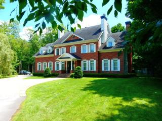 Luxury Equestrian, Country Estate- Pool on 3 acres, Montreal
