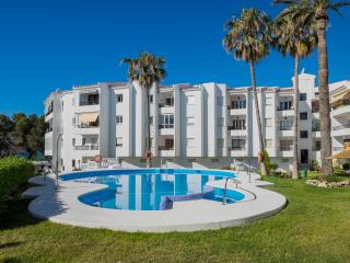 APARTMENT NEAR TO THE BEACH, NERJA, SWWIMINGPOOL, Nerja
